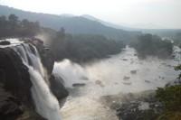 Athirapally_waterfall_kerala