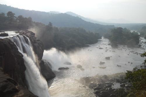 must see waterfalls in kerala